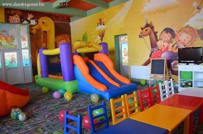 Casa Latina - Panduri - loc de joaca pentru copii