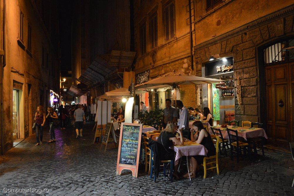 Linga Piața Navona, seara