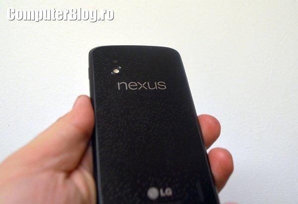 LG Nexus 4 0024