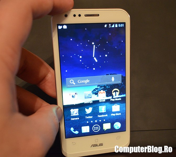 Asus Padfone 2 smartphone
