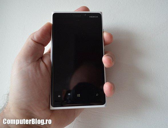 Lumia 920 - dimensiune