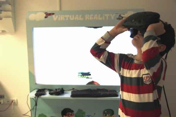 terapie VR pentru copiii cu boli incurabile-min