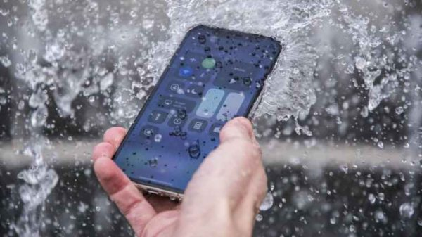 iphone xi waterproof