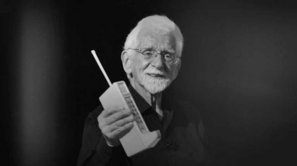 primul telefon mobil motorola